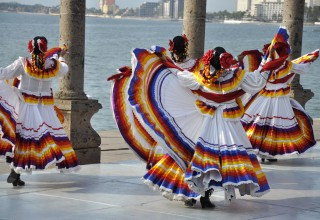 Mexican_Folkloric_Dancers_of_Jalisco
