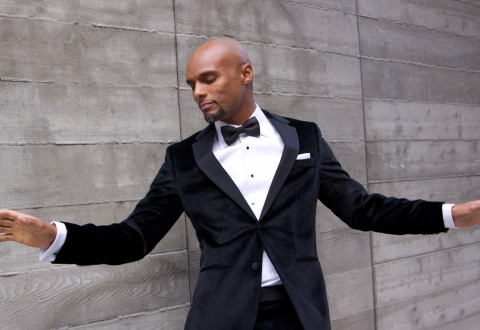 R & B singer Kenny Lattimore