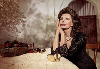 Screen icon Sophia Loren for Dolce &Gabbana (photo courtesy of Dolce & Gabbana)
