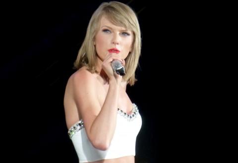 Taylor_Swift_043_(937908087)
