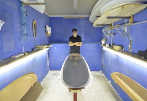 Artist Ivan Wong with CHROMIUM surfboard sculpture (PRNewsFoto/DANIELLE)
