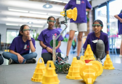 Google & The REC Foundation Empower More Girls To Enter Stem Fields With Second Annual Girl Powered Workshop